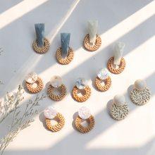 a2011050ab416 JCYMONG bohemio hecho a mano de ratán de pendientes para mujeres geométrico  redondo de paja tejida colgante pendientes joyería d.