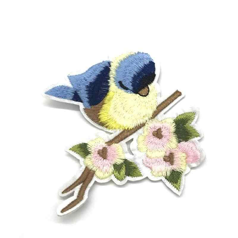 Pássaro Remendo Bordado Applique Remendo de Pano Bordado Adesivos Roupas Acessórios DIY Ferro Hot Coleção da Etiqueta Adesiva