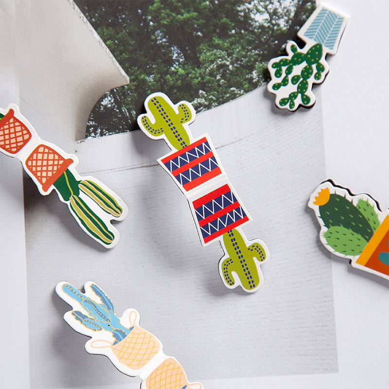 2Pcs Novelty Magnetic Book Markers Cute Cactus Bookmarks Kawaii Bookmarks For Girls Gifts School Office Supplies Stationery