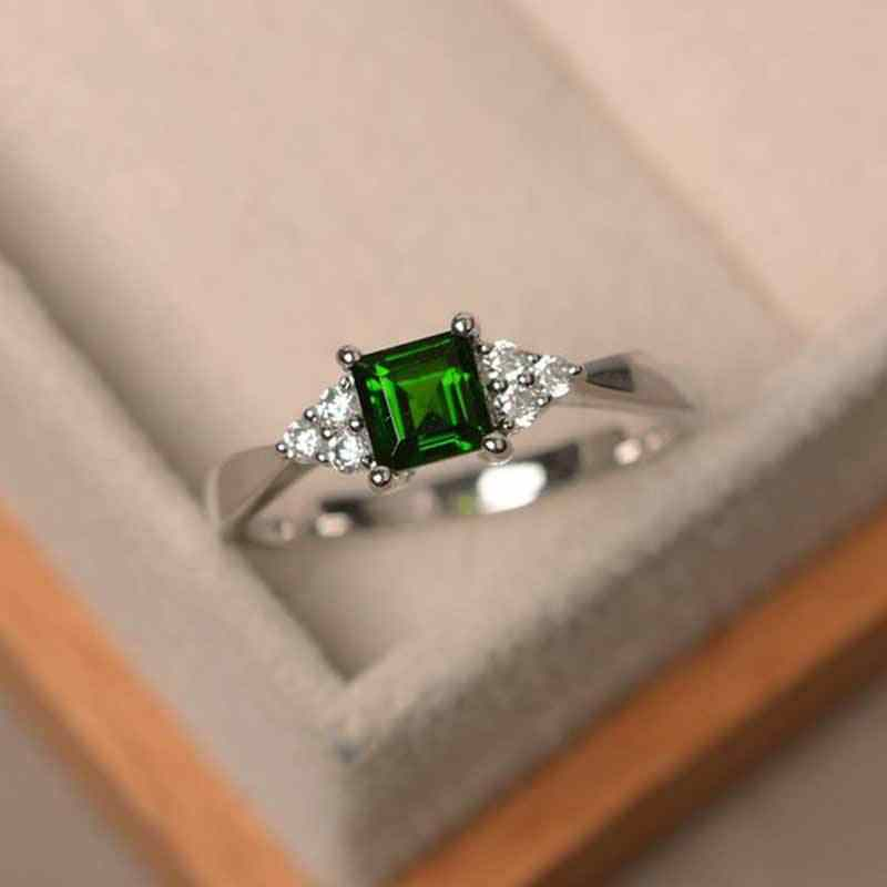 Huitan Cute Women Ring Delicate Green Cubic Zircon Ring With Tiny CZ Paved Engagement Ring Simple Stylish Women Jewelry Ring
