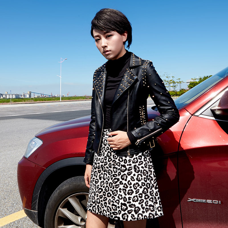 High Quality Faux Leather Coat Female 2018 New Winter Black Motorcycle Leather Jackets Women Gold Rivet Punk Style Short Jacket