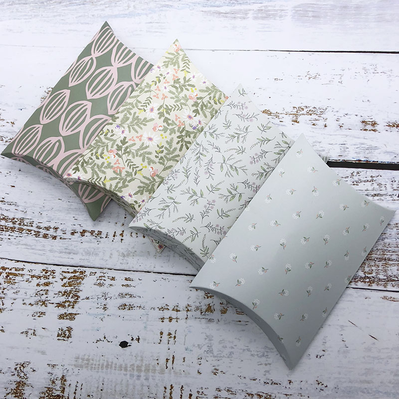 <font><b>Large</b></font> size Pillow <font><b>Gift</b></font> <font><b>Box</b></font> Wedding Candy Boxes <font><b>Packaging</b></font> Paper <font><b>Box</b></font> Wedding eco-Friendly Event & Party Supplies 5pcs/lot image