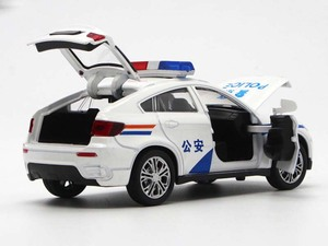 Image 5 - 1/32 高シミュレーションBM W X6 金属ダイキャスト車合金おもちゃのパトカー音と光バック子供のためのの