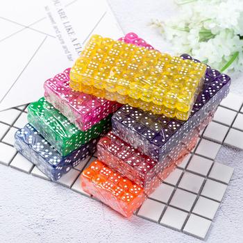 Hurtownie 100 sztuk partia kostki do picia 14MM akrylowe kości kolorowe gry planszowe Dados Party hazard kostki cyfrowe kostki Data Cube tanie i dobre opinie 1018 Digital Dice Acrylic
