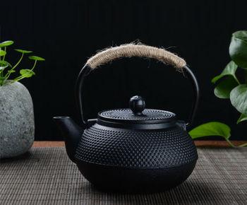 Японский чайник из чугуна 600 мл