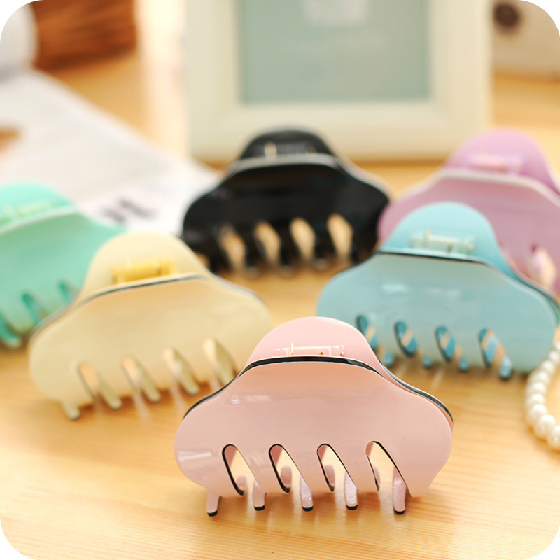 Sale 2019 Korean Acrylic Clamps Candy Color Large Plate Big Hair Clips Horsetail Card headwear in Women 39 s Hair Accessories from Apparel Accessories