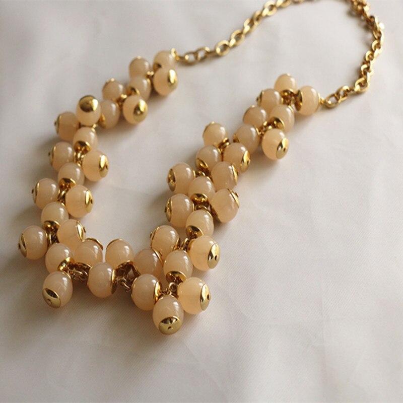 Collier de fleurs en perles de style luxueux
