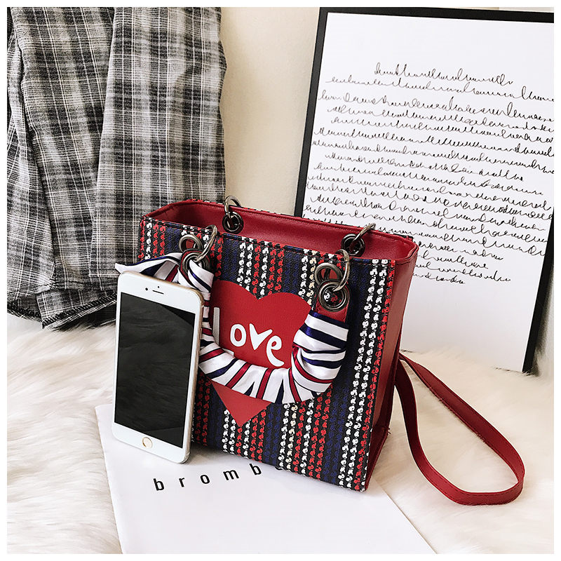 Women Handbag Flap Strip Fashion Heart Designer High Quality PU Leather Women Shoulder Crossbody Handbags Scarf girls Party Bags