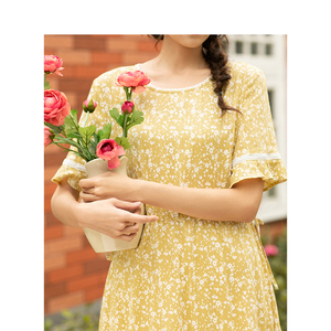 Image 4 - INMAN Summer New Arrival Lace O neck Literary Floral Short Petal Sleeve Women Dress