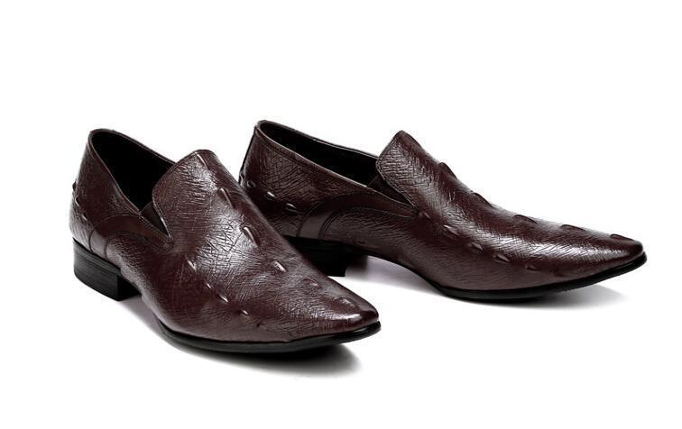 5a9dce391 Vestido Genuíno brown Slip Formal chocolate Toe Couro Sapatos De on Homens  Apontou Elástico Oxfords Derby ...