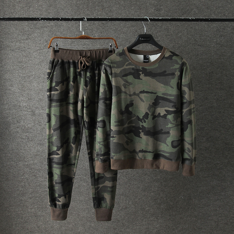 Daily Special Men's Cotton Camouflage Round Collar Clothing Sports Harlan Bundle Foot Pants Two Sets Of Couple Package Mail