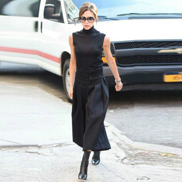 Victoria Beckham Clothes Navy Knitted Turtleneck Sleeveless Top And Wide Leg Crop Pants 2 Piece Sets Fashioin Runway Two Piece