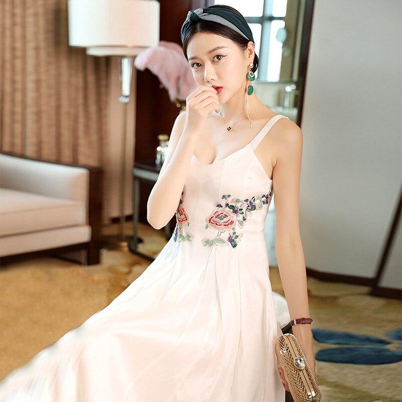 2019 mode européenne et américaine Sexy vcou industrie lourde brodée taille mince mis sur une grande robe à longues bretelles T6189