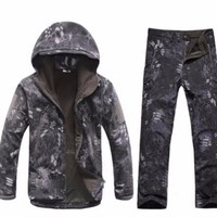 Outdoor Waterproof Tactical Camping Fishing Hiking Sports Winter Suits Hot Men Military Softshell Hunting Jacket Pants Sets