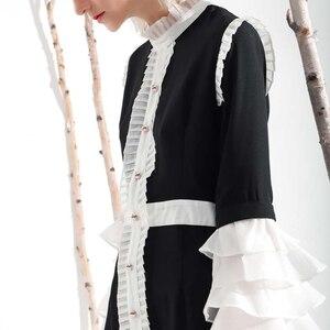 Image 5 - [EAM] 2020 nowa wiosna lato Ruffeled kołnierz długi, rozszerzony rękaw Hit kolorowy plisowana biała luźna sukienka kobiety mody fala YC001