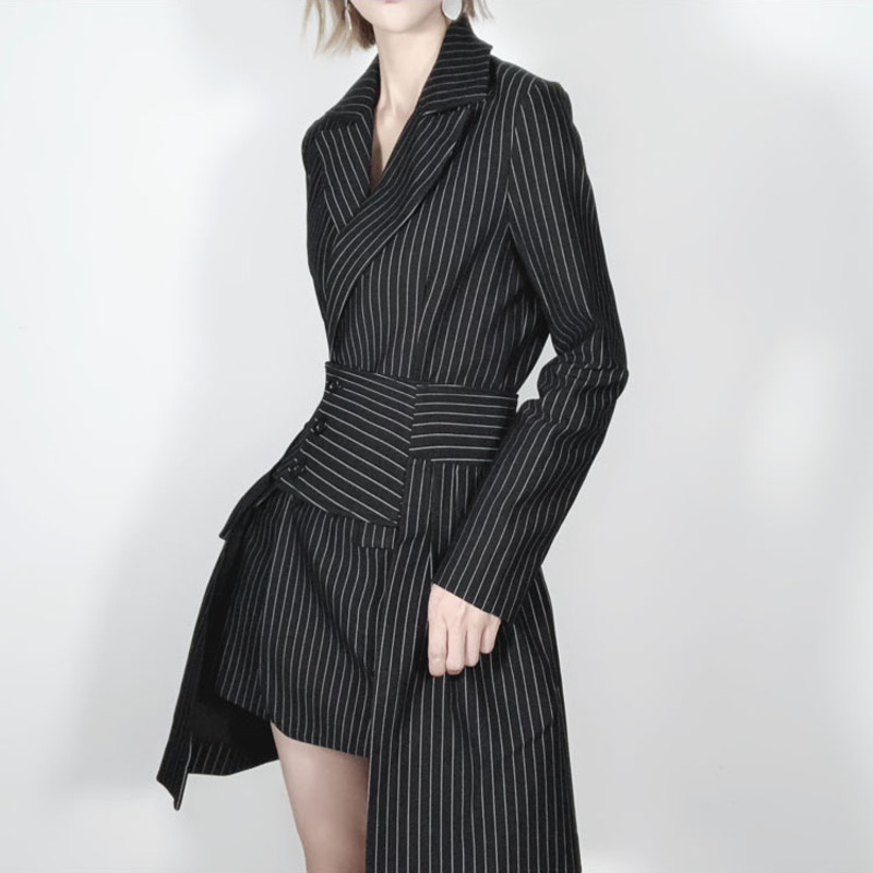 LANMREM 2018 New Fashion Striped Folded Office Style Blazers Female Notched Asymmetrical Patchwork Two Pieces Jacket