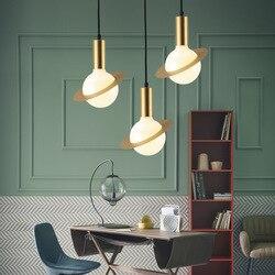 Kreatywny proste złoty żyrandol małe wiszące lampy restauracja lampa stołowa salon badania na poddaszu lampa wisząca światła szkła w Żyrandole od Lampy i oświetlenie na