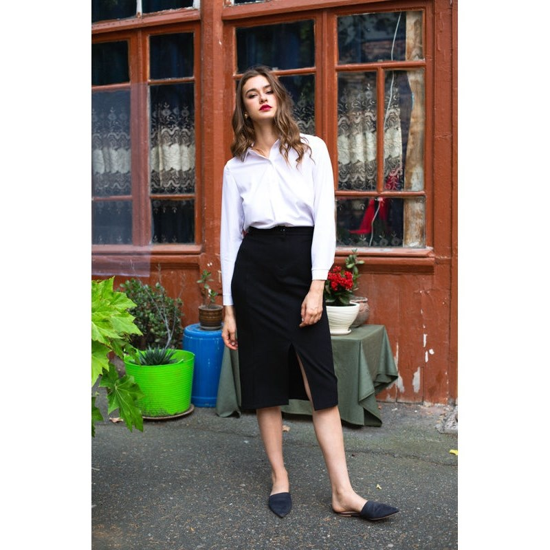 Skirt pencil. Color black. skirt pencil
