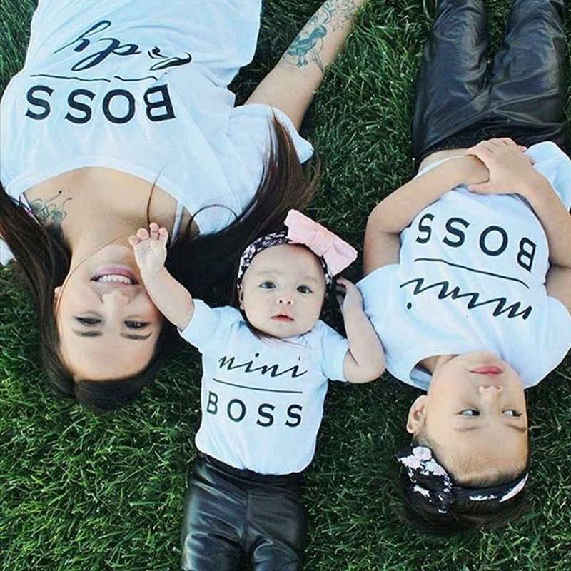 2019 ยี่ห้อใหม่วาเลนไทน์ครอบครัวเสื้อผ้า Mini Boss ทารกแรกเกิดทารก Rompers T เสื้อพ่อแม่ลูกสาว