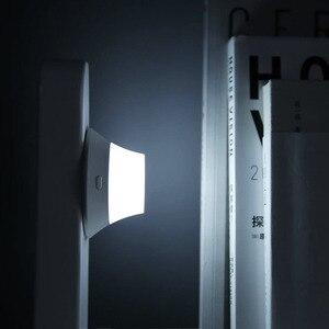 Image 4 - Xiaomi Yeelight Wireless Nacht Licht Ladegerät mit LED Magnetische Anziehung Schnelle Lade Für iPhone Samsung Huawei Xiaomi Telefon