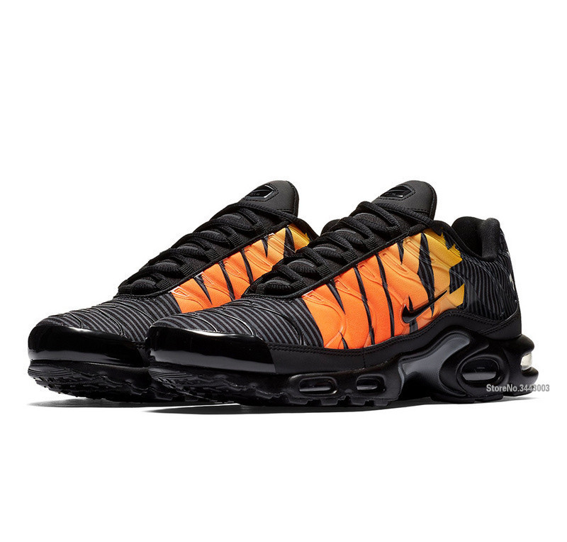 purchase cheap 6310e a5ba9 Original Nike Air Max Plus TN SE None Slip Mens Running Shoes,Zapatillas  Hombre Cushioning Sole Comfort Jogging Sneakers 7 12-in Running Shoes from  Sports ...