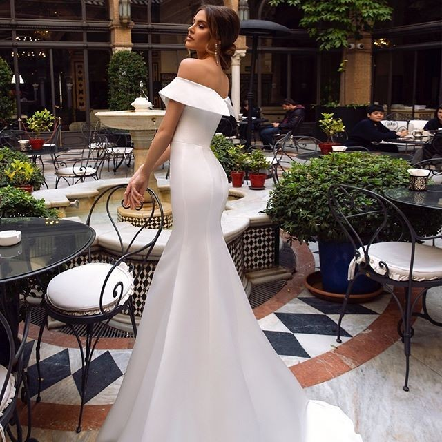 Vivian 39 s Bridal 2019 New Simple Satin Mermaid Reflective Wedding Dress Sexy Sweetheart Off Shoulder Sweep Train Bridal Dress in Wedding Dresses from Weddings amp Events
