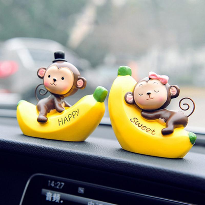 Interior Accessories Cute Monkey Office Craft Pendant Cartoon Car Ornament Gift Resin Valentines Day Dashboard Decoration Birthday Love Home Ornaments