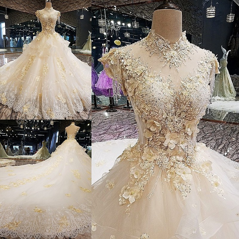 2019 New Fashion White Tassel Rufflus Eppliqued Crystal