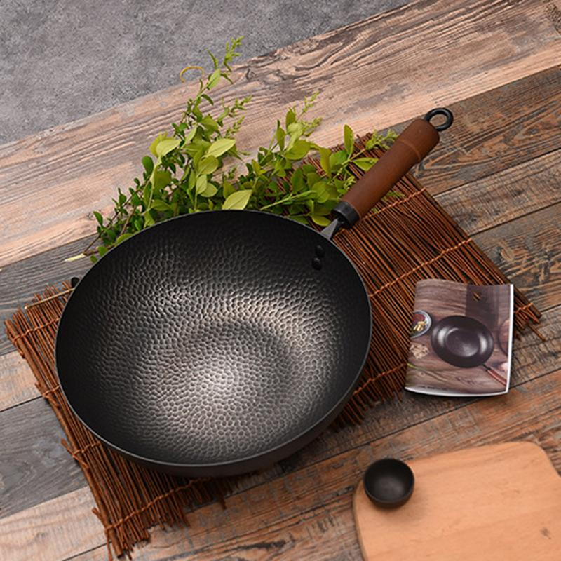 Pure Blacksmith Iron Pot Hand Forged Wok Uncoated Physical Non Stick Pan