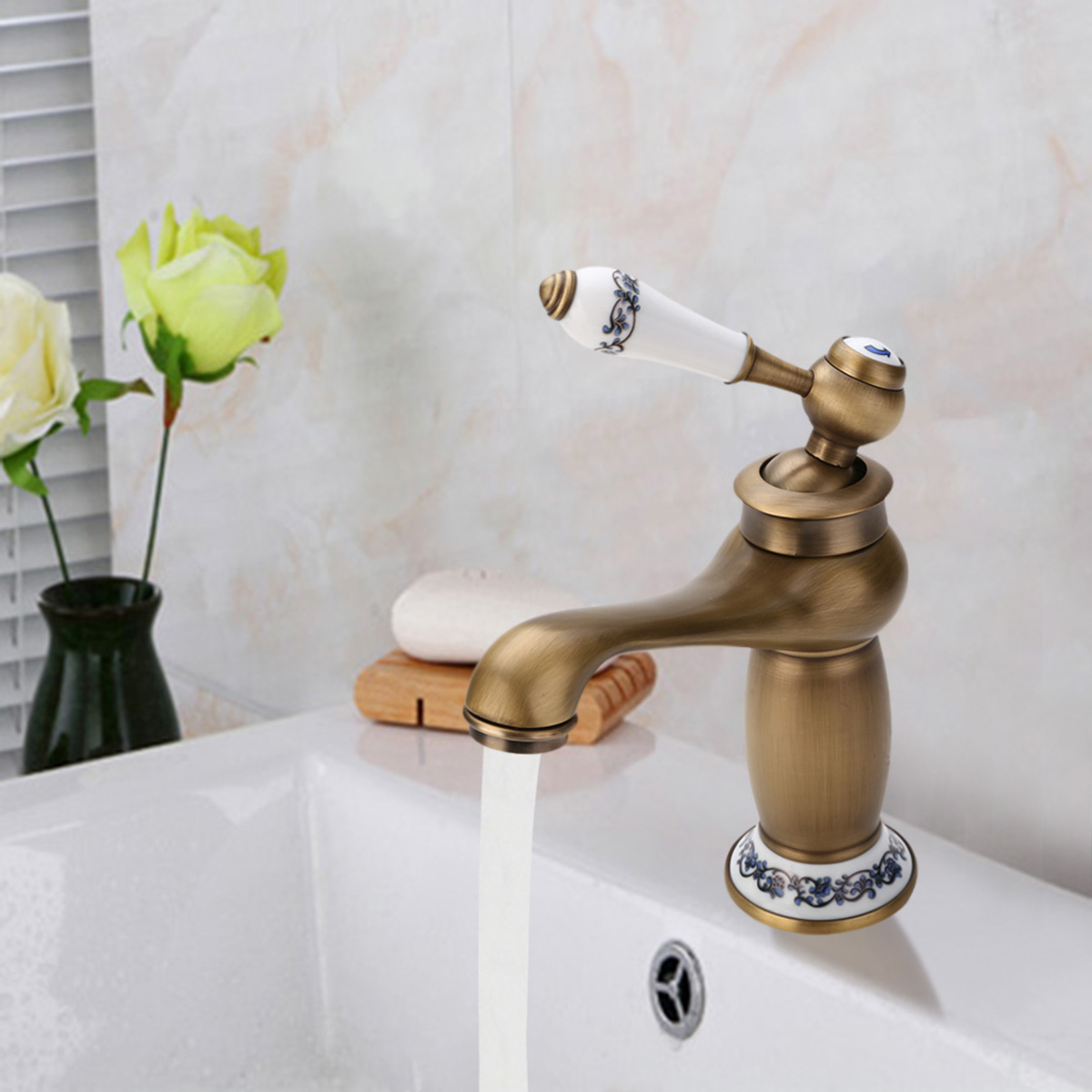 High Quality Antique Kitchen Bathroom Faucet Single Hand Hot & Cold Mixer Tap Ceramic Handle Mayitr Hot SellingHigh Quality Antique Kitchen Bathroom Faucet Single Hand Hot & Cold Mixer Tap Ceramic Handle Mayitr Hot Selling