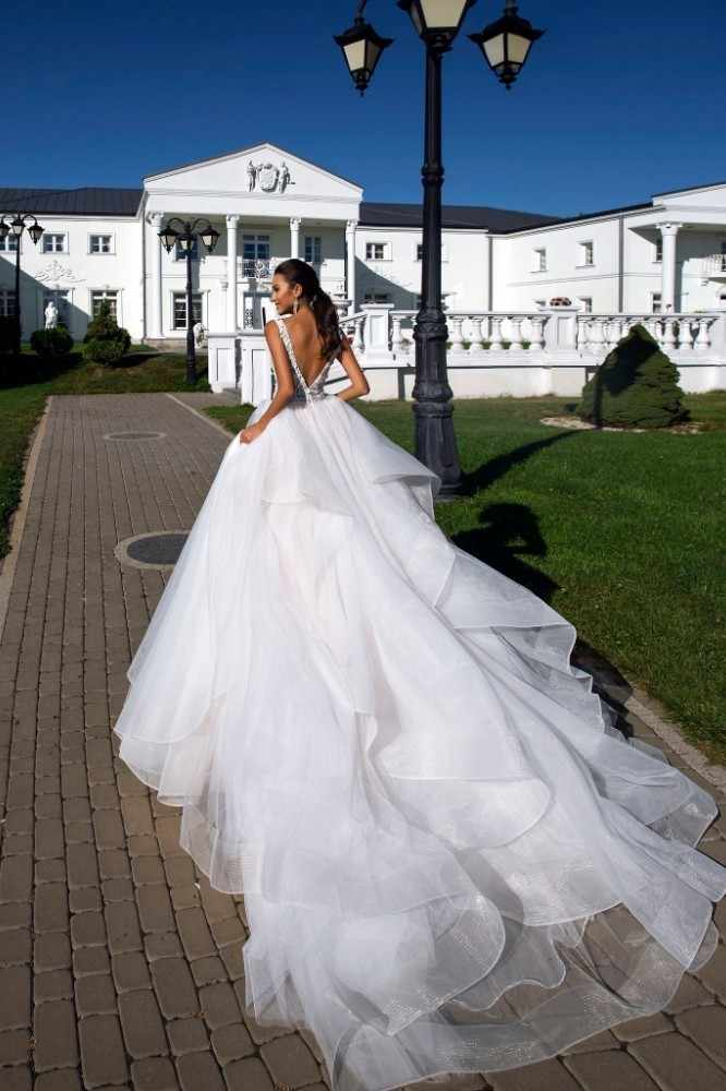 Vivian's Bridal 2018 Элегантное свадебное платье с оборками и шлейфом, с глубоким v-образным вырезом, с цветочной аппликацией, Фантазийная принцесса свадебное платье