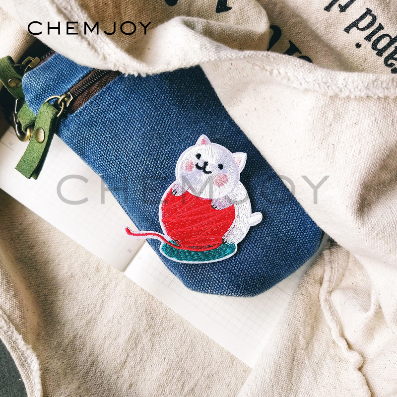 Cat with Yarn Applique Patch Iron on
