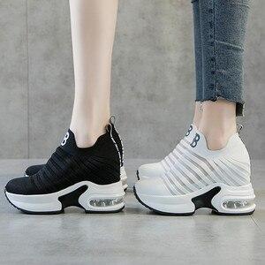 Image 1 - ฤดูร้อนสตรีภายในความสูงรองเท้า WEDGE แพลตฟอร์มลื่นบนรองเท้าผ้าใบลิฟท์