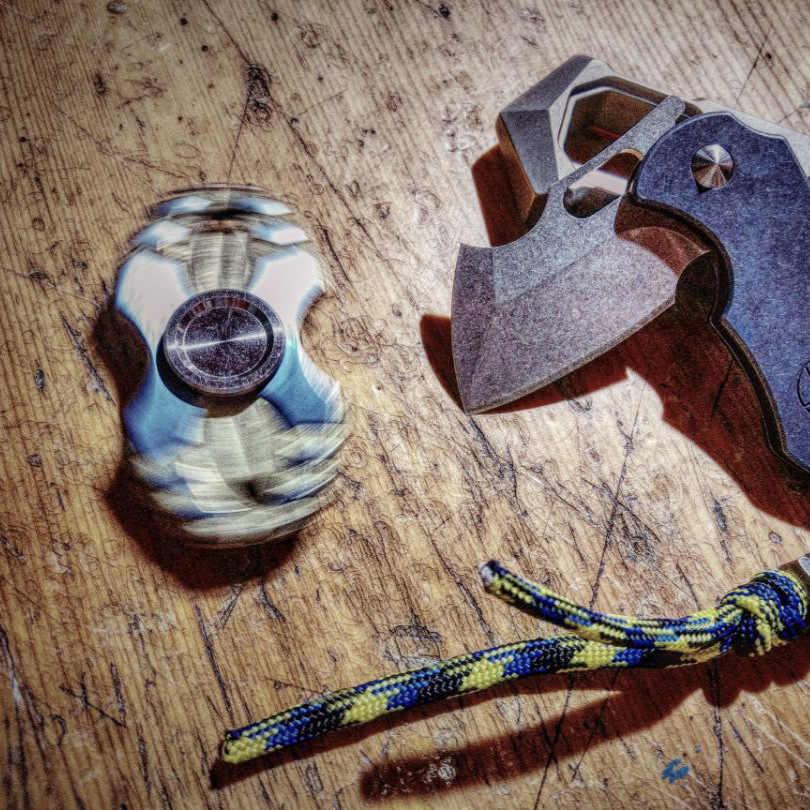 Египетский Pupa червей из титанового сплава для повседневного использования начало палец крутящийся для снятия стресса игрушки взрослый ребенок Творческий Непоседа ручной Spinner