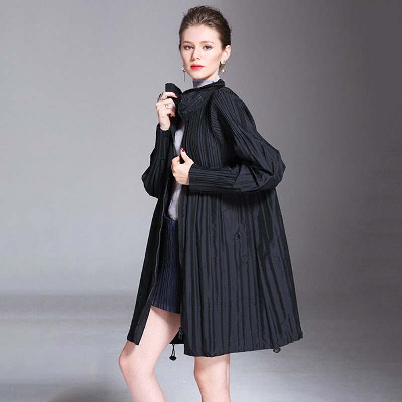 LANMREM 2019 New Fashion Turn Down Collar Pleated Zipper Overcoat Female's Black Gray Full Sleeve Trench Vestido YF364
