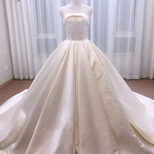 Luxurious Satin Vintage Ball Gown Wedding Dress Liyuke Gown