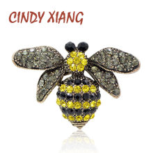CINDY XIANG Colore Giallo Strass Bee Spille per Le Donne di Stile Ape Spilla Spille Estate T-Shirt Accessori di Stile Dell'annata(China)