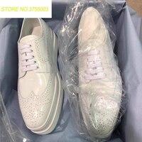 Британский стиль оксфорды с перфорацией повседневная женская обувь на шнуровке Топ Высокое качество кожаные ботинки высокая платформа зна