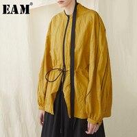 [EAM] 2019 новая весенне летняя желтая куртка с воротником стойкой и длинными рукавами, свободного кроя, на шнурке, большого размера, женская мод