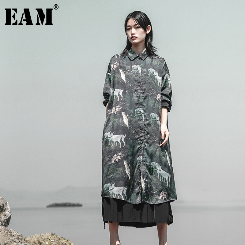 EAM 2019 New Spring Summer Lapel Long Sleeve Green Pattern Printed Loose Long Big Size
