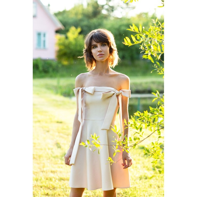 Dress with bow. Color beige. beige floral lace stitching round neck short sleeves chiffon mini dress