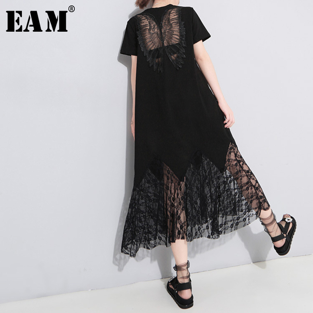 [EAM] 2020 جديد الربيع الصيف الجولة الرقبة قصيرة الأكمام تفريغ الدانتيل الأسود Oose مزاجه فستان طويل النساء الموضة المد JU177
