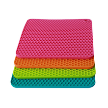 1fd703625c6 4pcs Insulation Mat Silicone Honeycomb Square Non-slip Pan Holder Mat Pot  Holder Mat Coaster