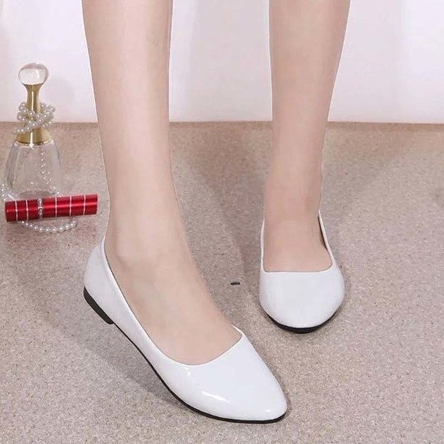 New Womens Cute Casual Solid Shoes Female Comfort Slip On Round Toe PU Leather Flat Shoes Red White Blue Black Summer Beach Shoe