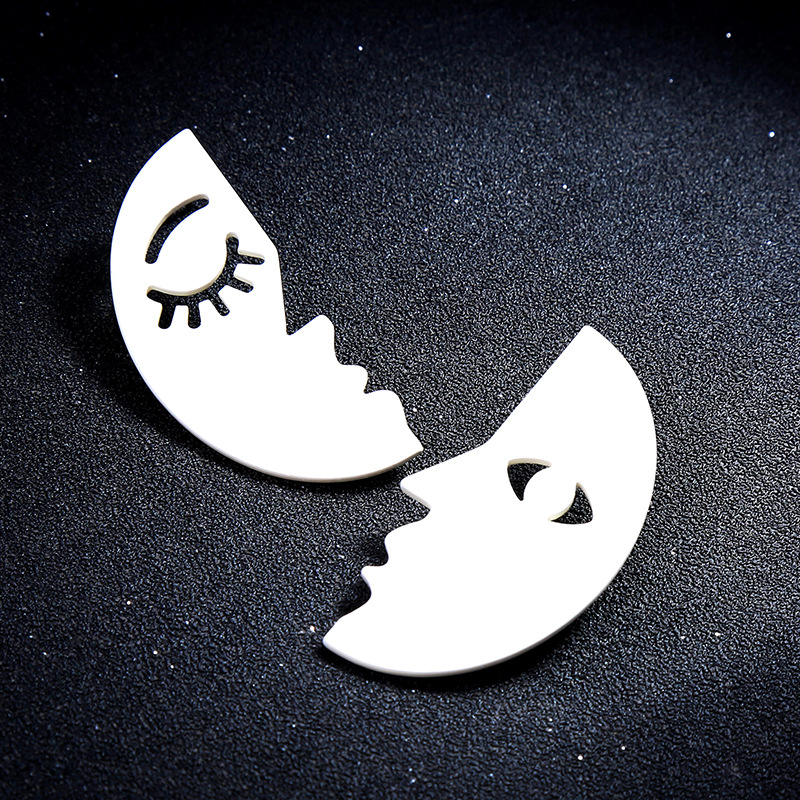 Asymmetrical Face Half Moon Earrings Women Fashion Korean Personality Ear Jewelry Exquisite Brincos Oorbellen Bijoux Earrings