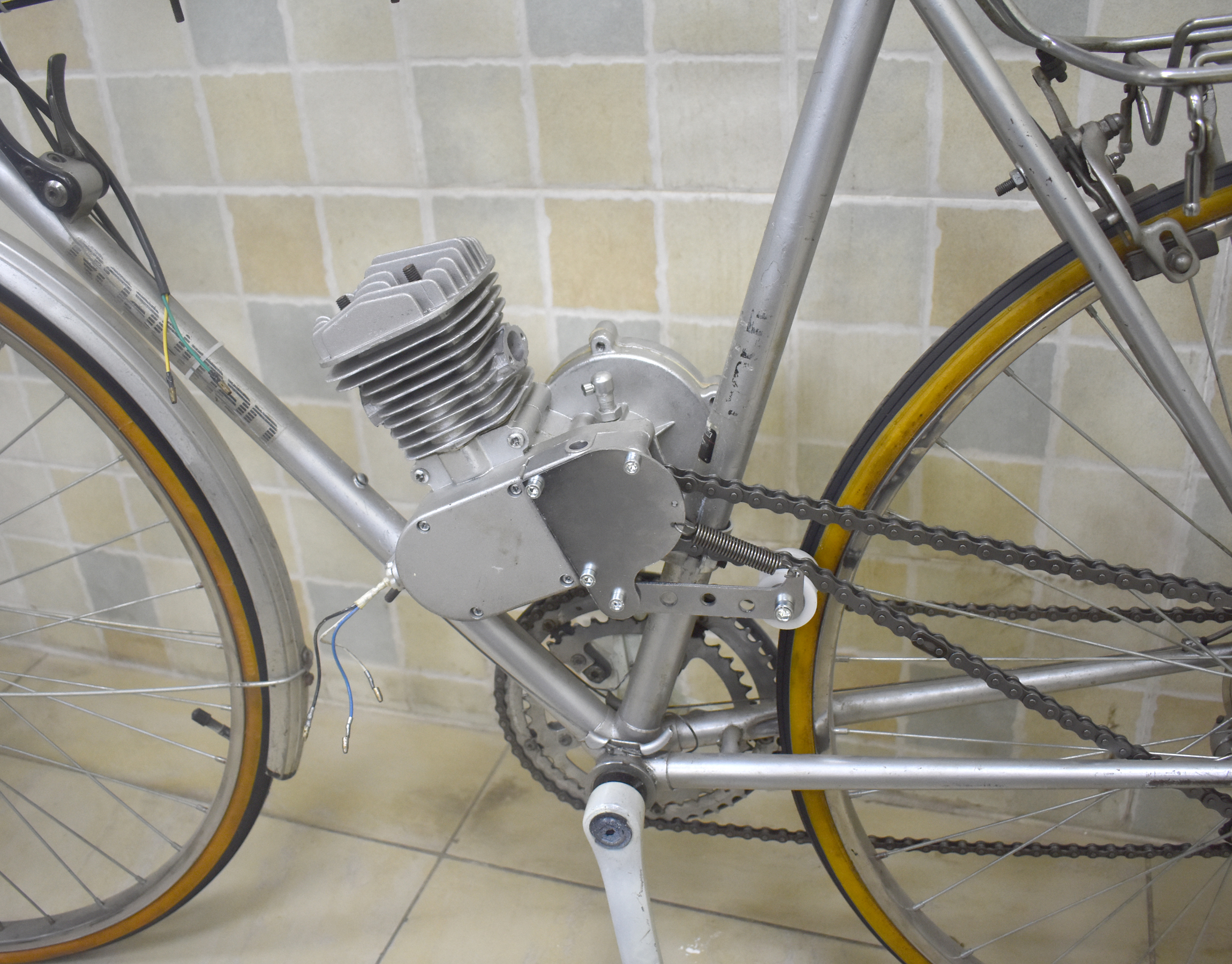 Chain Tensioner Sprocket Clutch Cover 49cc 50cc 66cc 80cc Motor Motorized  Bike