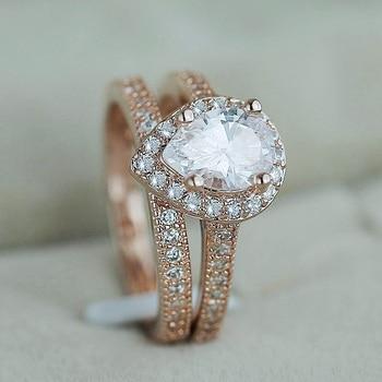 טבעת נישואין ויהלום קריסטל