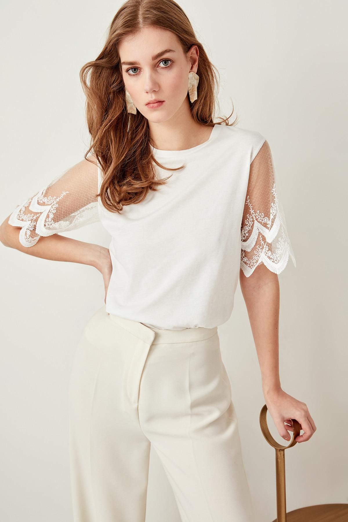 Trendyol Handles Knitting Lace Blouse Ecru TWOSS19XU0009