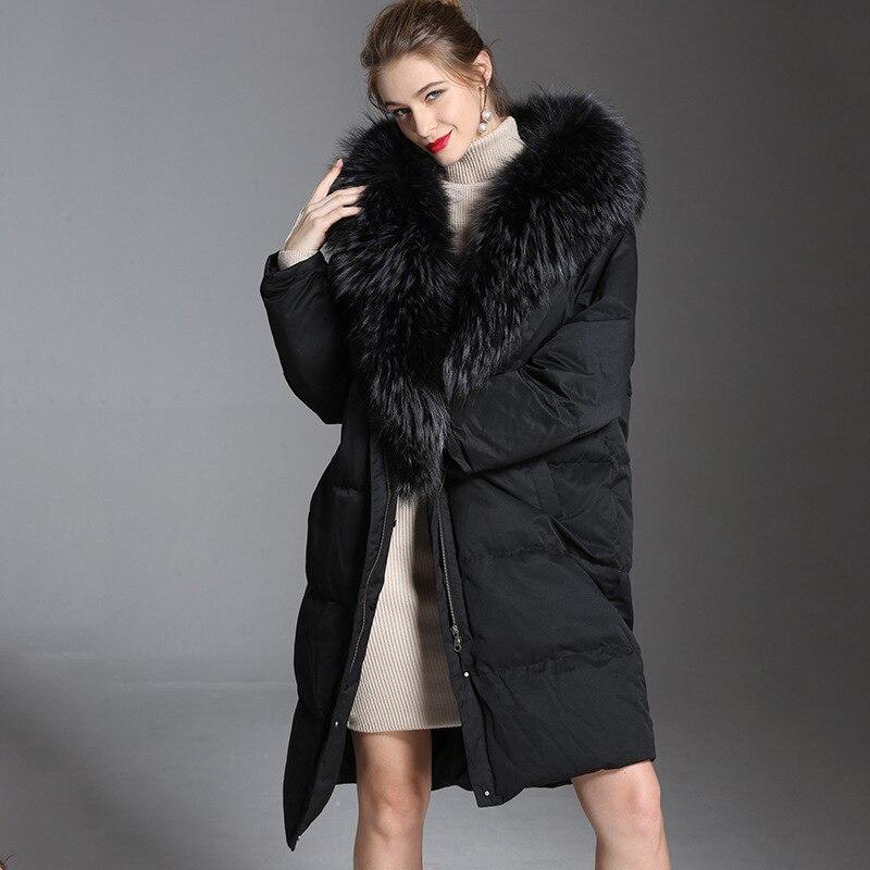 2018 Femmes tendance vers le bas veste hiver épais longue fourrure de raton laveur 90% blanc duvet de canard vers le bas dacket femme à capuche pour l'hiver 1801242