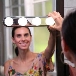 Портативный светодио дный светодиодный зеркальный свет Голливуд 4 лампы макияж зеркало Ночной свет туалетный свет фары легко-Instal светодио